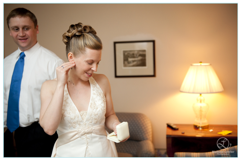 indiana university wedding getting ready by indiana wedding photojournalist